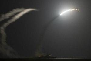 NÓNG: Mỹ lập danh sách các mục tiêu, chuẩn bị tấn công Syria - Nước sôi lửa bỏng?