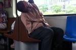 Du học sinh Việt bị phạt 4 triệu đồng vì ngủ quên, gác chân lên ghế tàu điện ngầm