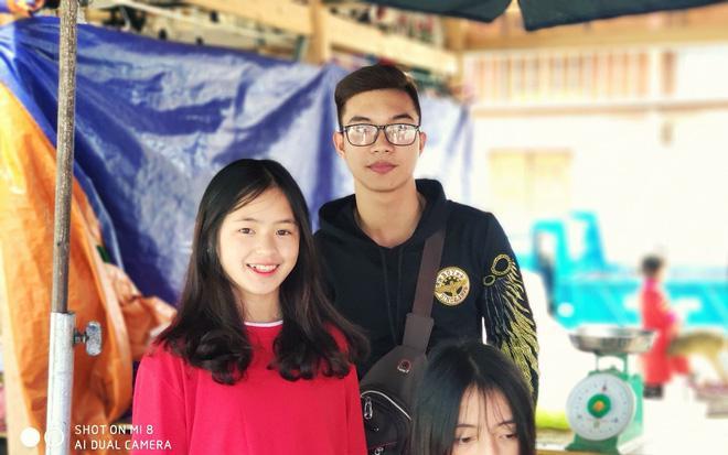 Lên Hà Giang, các phượt thủ khoe ảnh chụp chung với nữ sinh H'Mông hot nhất mạng xã hội - Ảnh 15.