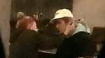 Justin Bieber lại bị phát hiện bật khóc trong quán bar