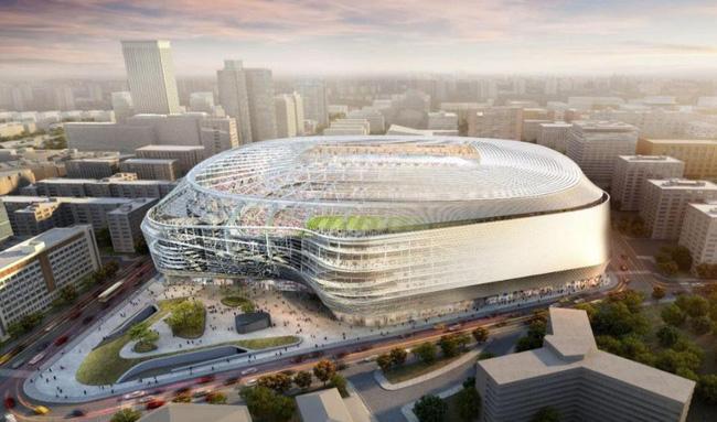 Real Madrid phục vụ CĐV theo dõi trận đấu dù bận đi tè - Ảnh 2.