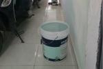 Khu trọ Đà Nẵng mất nước, chủ nhà sáng sớm xách hộ cho từng phòng