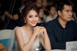 Ngọc Nữ đẹp rạng ngời trên 'ghế nóng' cuộc thi sinh viên thanh lịch