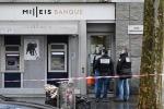 Cướp ngân hàng trên đại lộ Champs-Elysees: 30 két bạc tiền bị vét sạch