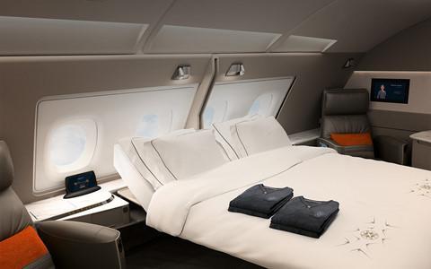 Còn Singapore Airlines có giường đôi sang trọng cho khách VIP trên máy bay A380. Ảnh: Flystein.