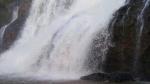 Gia Lai: Hàng trăm người không quản mệt nhọc tìm kiếm 3 thanh niên mất tích ở thác nước