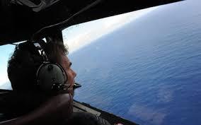 """Chuyên gia hàng không cho rằng, hành khách và phi hành đoàn MH370 có thể """"còn sống nhưng trong tình trạng bất tỉnh"""" suốt nhiều giờ sau khi máy bay biến mất."""