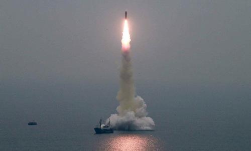 Quả đạn Pukguksong-3 lấy độ cao sáng 2/10. Ảnh: KCNA.