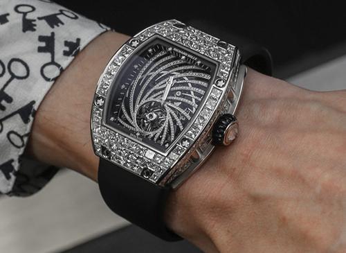 Một chiếc đồng hồ Richard Mille Tourbillon Diamond Twister. Ảnh: A blog to watch.