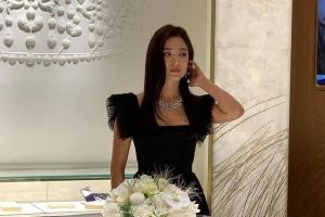 Song Hye Kyo không hủy dự sự kiện để tưởng nhớ Sulli như tuyên bố