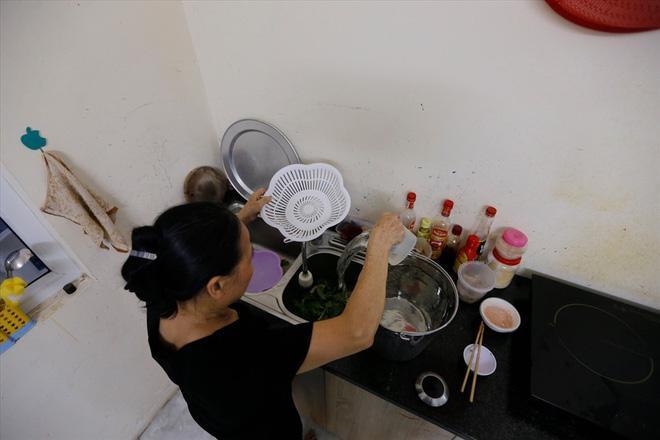 Toàn cảnh vụ đổ trộm dầu thải khiến người dân lao đao khát nước sạch - Ảnh 11.