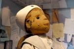 Bí ẩn trăm năm con búp bê bị 'nguyền' reo rắc tai họa