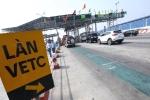 Ra quân xử lý phương tiện cố tình đi vào làn xe thu phí tự động không dừng
