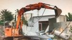 Cưỡng chế 3 căn nhà không phép trong làng đại học Thủ Đức