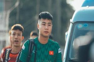 Thủ môn Nguyễn Văn Toản: Trước khung thành là lạnh lùng boy, ra ngoài sân hoá 'bánh bao cháy' của hội fan girl