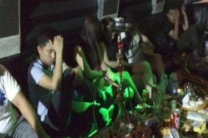 Bí ẩn trong những quán karaoke vùng ven đô đất Cảng