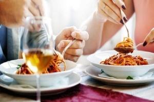 6 thói quen ăn uống gây hại 'sex'