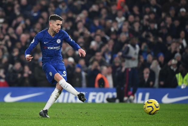 Nam thần Kante bất ngờ tái hiện cú trượt chân đá bay cúp vô địch Ngoại hạng Anh, Chelsea đánh rơi chiến thắng trước Arsenal dù sở hữu lợi thế cực lớn - Ảnh 3.