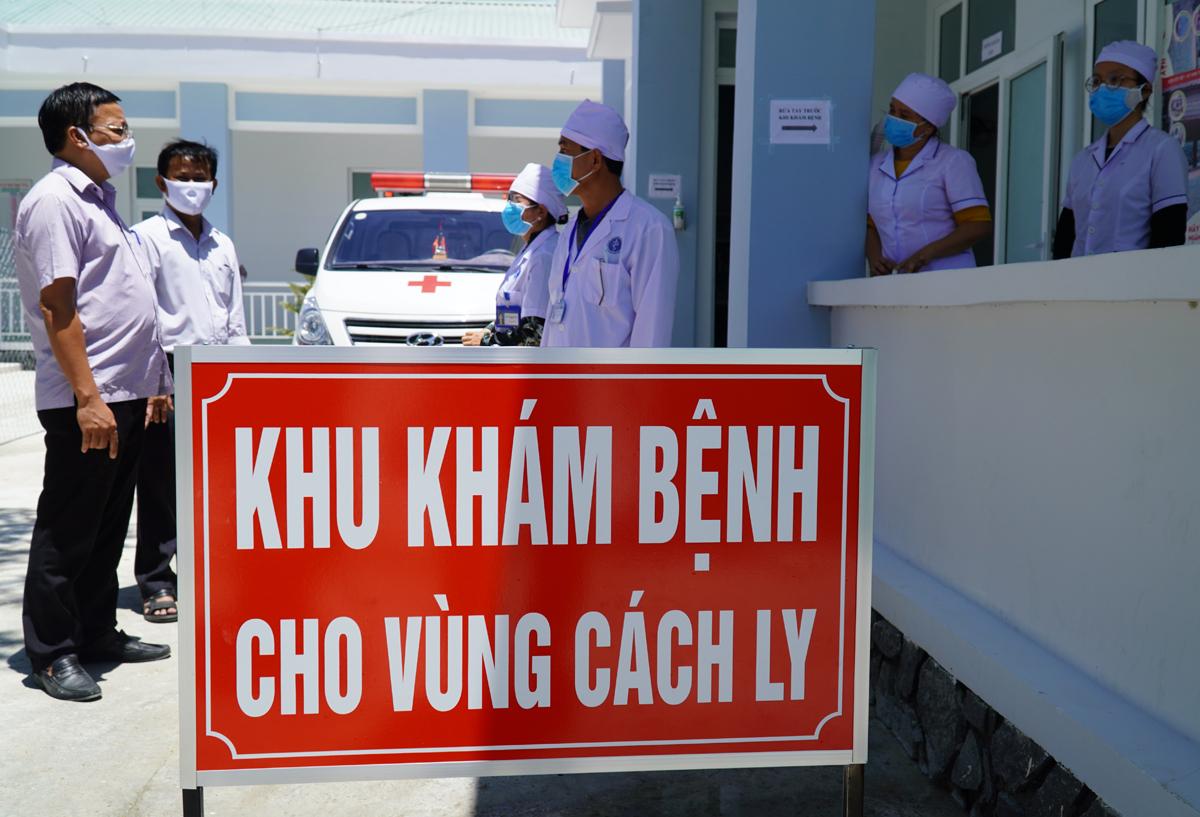 Khu khám ban đầu cho người nghi nhiễm ở vùng cách ly Văn Lâm 3, tại Trạm y tế xã Phước Nam, Ninh Thuận. Ảnh: Việt Quốc.