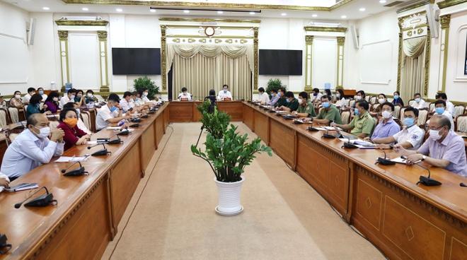 Toàn cảnh buổi họp giao ban trực tuyến của Ban chỉ đạo phòng chống dịch Covid-19. Ảnh: HMC.