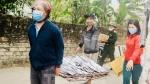 Ngư dân Nghệ An mang hàng tạ cá biển tươi đến ủng hộ khu cách ly tập trung