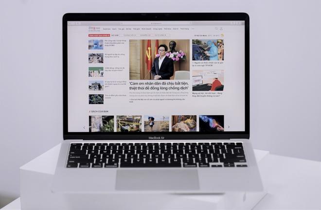 MacBook Air 2020 sử dụng bàn phím cắt kéo.