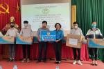 Ngành Giáo dục Hà Nội tặng 10 bộ máy tính cho học sinh có hoàn cảnh khó khăn