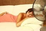 Lưu ý khi dùng quạt khi ngủ trong mùa hè để không bị sổ mũi, khô da, khô mắt, nhức mỏi người...