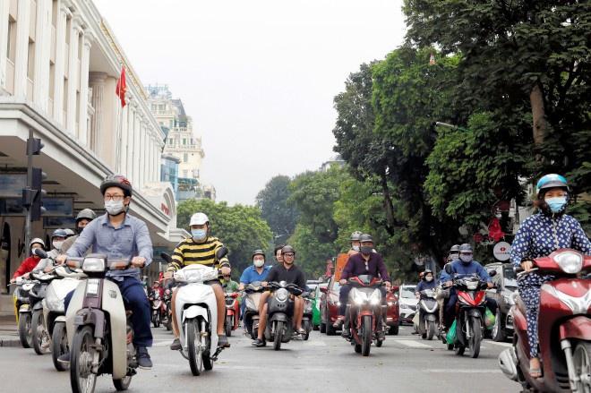 Đường phố Hà Nội hôm 23/4. Ảnh: Reuters.