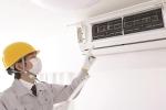 Nắng đổ lửa, lắp điều hòa trên tầng 40, thợ điện lạnh ngất xỉu sau khi tiếp đất an toàn