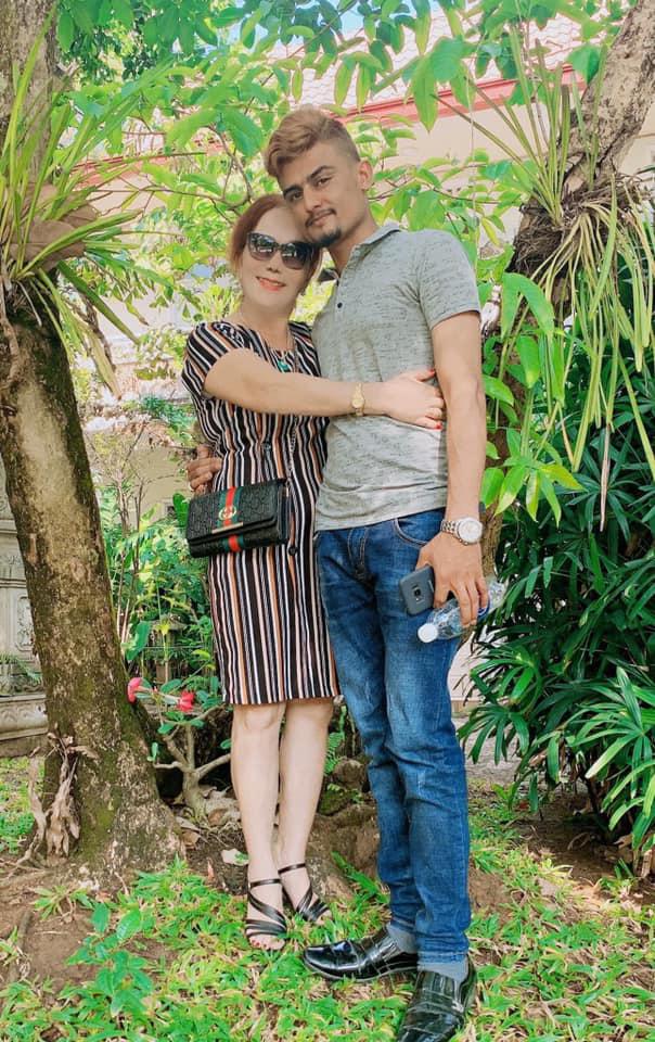 Nhiều cư dân mạng khuyên chị Hoa rằng, nếu thấy không ổn với mối quan hệ bên chồng trẻ thì hãy dừng lại.
