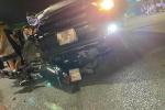 Clip: Phóng tốc độ kinh hoàng, nam thanh niên lao thẳng vào đầu xe bán tải