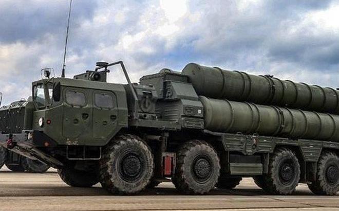Ấn Độ triển khai hệ thống phòng tên lửa đất đối không tiên tiến phản ứng nhanh, được gọi là Akash, tại Ladakh vào ngày 27-6. Ảnh: AA.