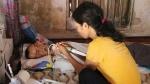 Rớt nước mắt cảnh nhà nghèo, vợ bệnh tật nuôi chồng sống thực vật