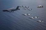Mỹ điều B-52 bay thẳng đến Biển Đông tập trận cùng hai tàu sân bay