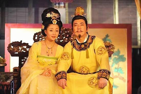 """Dương Ngọc Hoàn (719 - 756) hay còn được gọi là Dương Quý Phi nổi tiếng lịch sử Trung Quốc với nhan sắc xinh đẹp tuyệt trần. Bà được xếp vào danh sách """"Tứ đại mỹ nhân"""" thời cổ đại."""