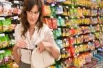Nữ triệu phú ăn cắp 1 tuýp kem đánh răng ở siêu thị lúc 4 giờ sáng và hiện tượng kỳ lạ của giới nhà giàu không phải ai cũng hiểu