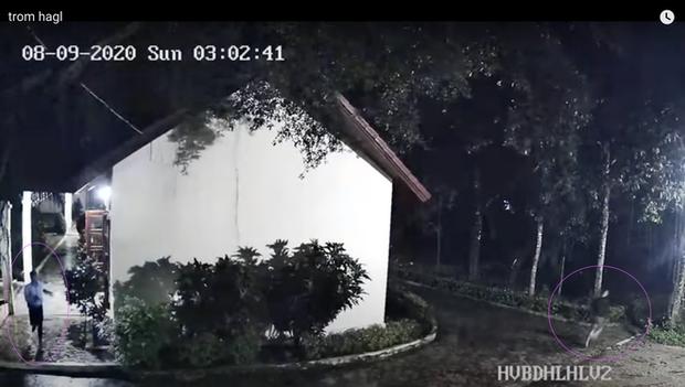 Hình ảnh kẻ gian đột nhập trung tâm Hàm Rồng tối 9/8 được camera ghi lại.