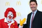 Cựu tổng giám đốc McDonald's bị kiện vì quan hệ tình ái với cấp dưới