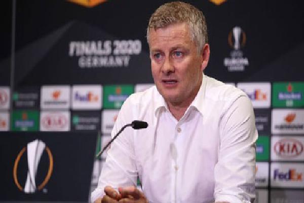 Solskjaer tiết lộ bí quyết đá penalty của Bruno Fernandes sau trận thắng Copenhagen