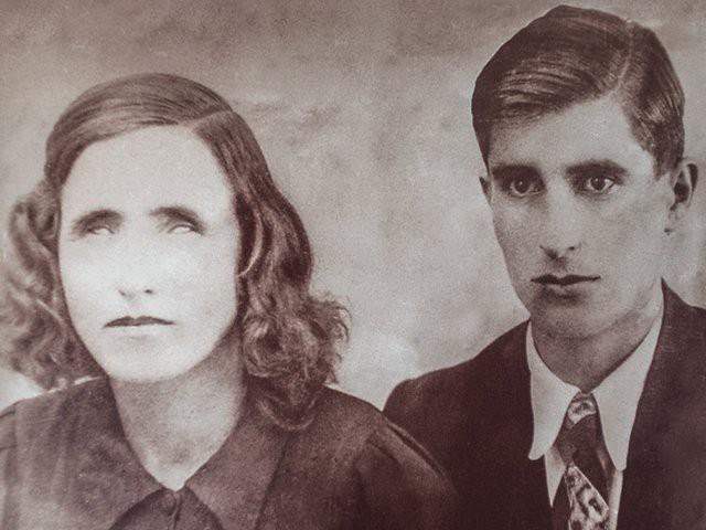 Bà Vanga tiên tri số phận cho một số người. Trong số này có người chồng của bà tên Dimitr Gushterov. Ông Gushterov là một người lính. Ông từng cùng một số binh sĩ đến nhà của bà Vanga để hỏi những điều mà bản thân muốn.