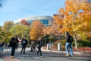Tụ tập giữa mùa dịch, sinh viên ĐH Northeastern bị đình chỉ học