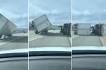 Clip: 45 xe tải lật nhào trên đường cao tốc vì gió lớn
