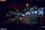 Clip: Thanh niên phóng nhanh vượt ẩu, đâm thẳng vào đuôi ôtô, tài xế không màng thiệt hại bỏ đi
