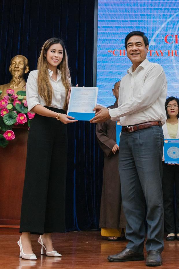 Hành động đẹp của nhà tỷ phú Johnathan Hạnh Nguyễn khiến nhiều người cảm thấy ấm lòng và ngưỡng mộ