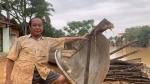 Người đàn ông Quảng Bình chèo đò cứu 100 người trong lũ