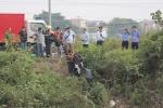 Áp giải nghi phạm đến hiện trường để tìm kiếm thi thể nữ sinh ngân hàng ở Thường Tín