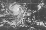 CẬP NHẬT Bão số 9: Bão giảm xuống cấp 13, gió trên đất liền mạnh lên