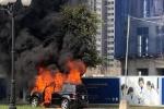 Hà Nội: Xe ôtô hạng sang Mercedes GL450 bất ngờ bốc cháy chỉ còn lại khung sắt