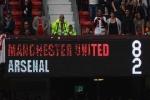 Thảm bại lịch sử 2-8 của Arsenal trước M.U